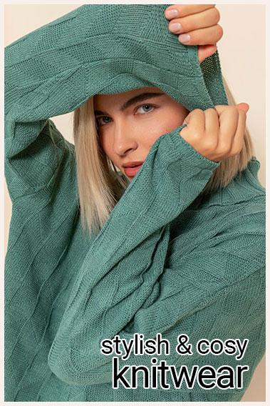 379x568 knitwear